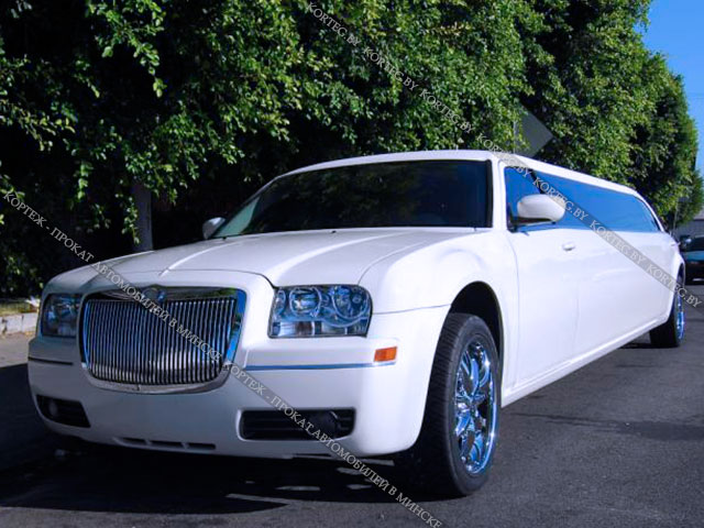Аренда Chrysler 300C White Rolls Royce с водителем в Минске